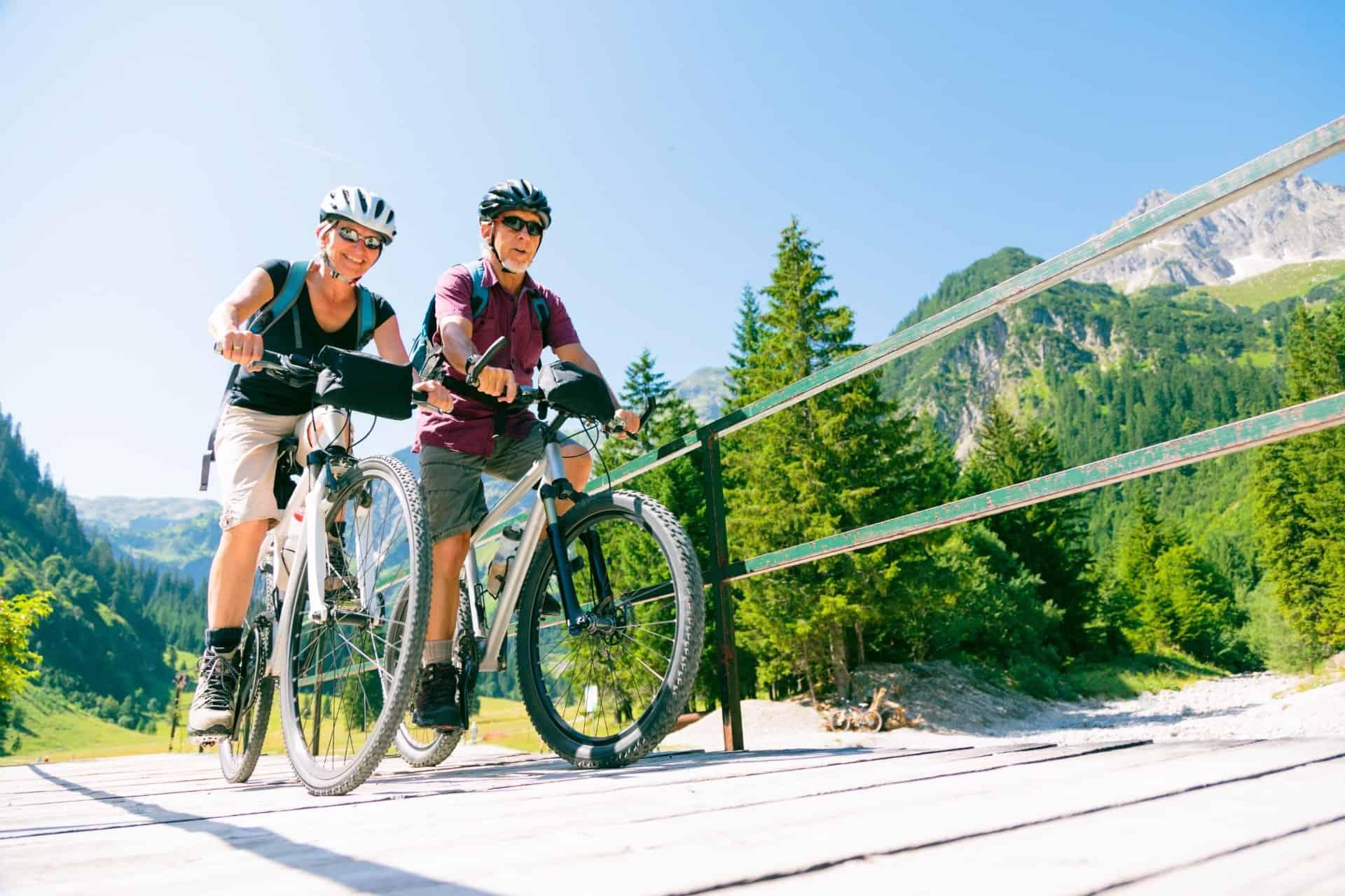 Ældre på cykeltur