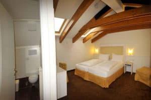 Dobbeltværelse på Alpen Hotel Eghel. Aktiv Ferie.dk