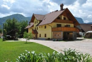 Farm house Povsin