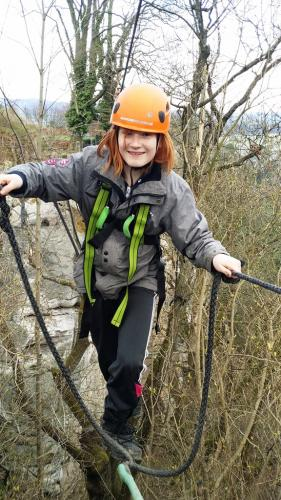 Rappelling-highropebridging4